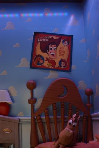 Disneyland Window Bullseye